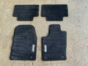 2014 Jeep Grand Cherokee Floor Mats 42858j Front Left Front Right And Rear Black