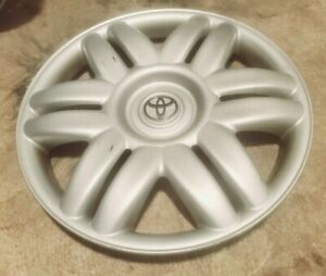 1 Oem 2000 2001 Toyota Camry Le 15 Hubcap Wheel Cover 0001 P n 42621 aa070