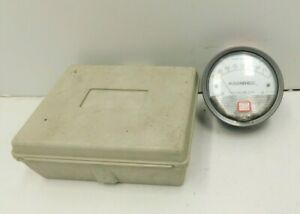 Dwyer Magnehelic Differential Pressure Gauge 0 2 Water 15 Psig Max p8 1599