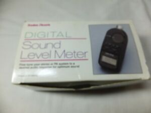 Radio Shack Digital Sound Level Spl Meter With Case 33 2055 Tested Working