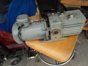 Leybold Trivac D4a Dual Stage Rotary Vane Mechanical High Vacuum Pump 115 230v