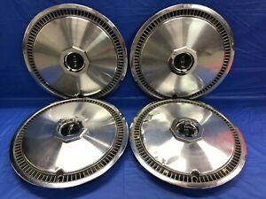Vintage Set Of 4 1972 79 Lincoln 15 Hubcaps Continental Mark Series
