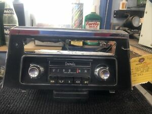 1964 Buick Am Push Button Radio With Knobs And Face Plate