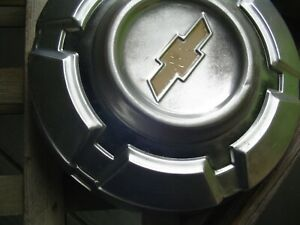 Two Vintage Gmc Jimmy Chevrolet Pickup Truck Blazer Hubcaps Wheel Covers 1 2 Ton
