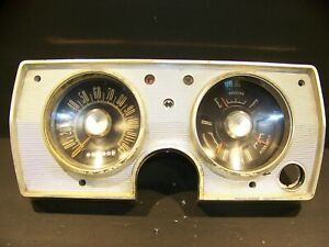 1965 Plymouth Barracuda Valiant Instrument Cluster Oem 2496508