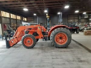 M8560 Kubota Tractor 4x4 With Front End Loader Bucket Spears