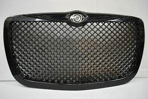 2005 2010 Chrysler 300 Front Grille Mesh Panel Oem Black And Chrome