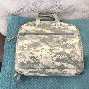 Vintage 2006 Day Runner Camouflage Planner Organizer zip 3 Ring Binder Not Used