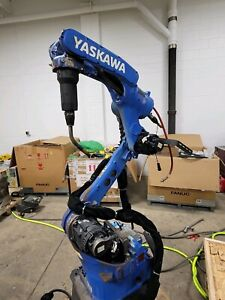 Yaskawa Motoman Ma1440 Welding Robot With Dx200 And Miller Auto continuum 350