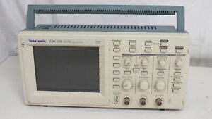 Tektronix Tds220 100mhz 2ch Digital Real Time Oscilloscope Tds2cm