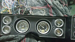 Auto Meter Carbon Fiber Gauge Set