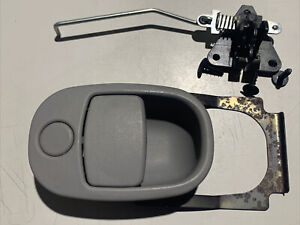 Chevrolet Equinox Gray Glove Box Latch Handle Compartment 2005 2006 2007 2008