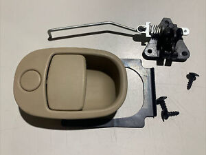 Chevrolet Equinox 2005 Glove Box Latch Handle Compartment 2006 2007 2008 Tan