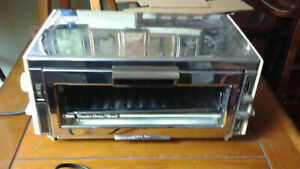 Vintage Counter Craft Toaster Oven Broil Continuous Clean Chrome And Wood Grain