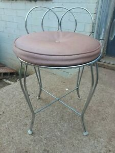 Vintage Silver Metal Wire Vanity Chair With Mauve Cushion