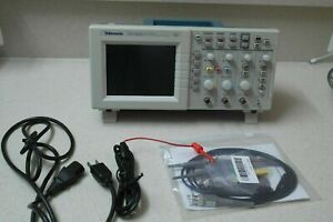 Tektronix Tds2002 Digital Color Oscilloscope 60mhz 2channel Good Condition