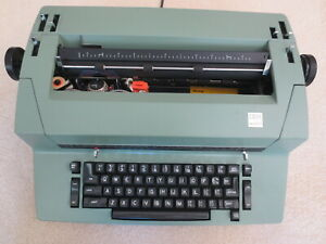 Ibm Dual Pitch Correcting Selectric Ii Typewriter With Manual And Warranty