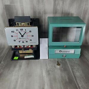 Acroprint Time Recorder Co Time Clock Model 125nr4 With Key Fast Shipping