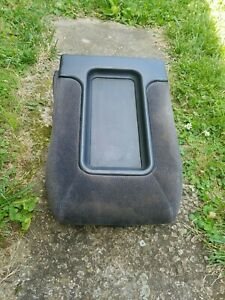 99 06 Chevy Silverado Sierra Front Middle Jump Seat Console Storage Armrest Gray