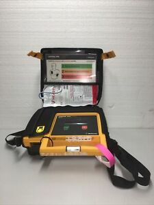 Lifepak 500 Biphasic Automated External Defibrillator With Case pads And Battery