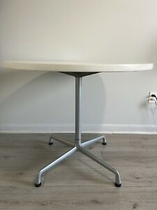 Herman Miller Eames 36 Inch White Universal Base Round Table