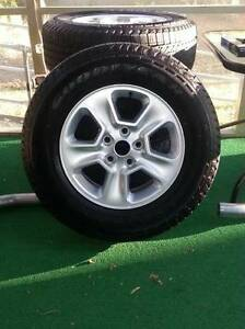 2014 Jeep Grand Cherokee 17 Aluminum Wheels With Goodyear Fortera Hl Tires