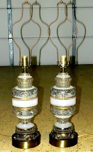 8808 Pair Of Hanson Clear Glass Urn Table Lamps Hollywood Regency Mid Century