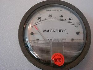 Dwyer Magnehelic Gauge 0 1 Of Water Catalog 2001c used