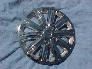 Set Of 4 Chrome Hubcaps That Fit 07 11 Nissan Versa 15 Hubcaps Wheel Covers