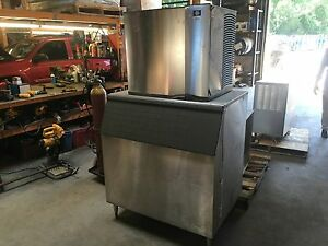 Manitowoc Ice Machine Model Sd0872c With Bin And Remote Condenser