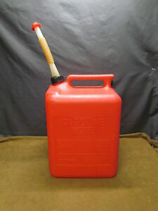 Midwest Can Company 5 Gallon Gal Plastic Gas Can W nozzle Spout