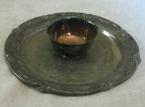 Wm Rogers Son Silverplate14 Round Serving Tray W Attached Dip Bowl