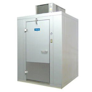 Arctic Industries Bl66 c sc Self contained Walk in Cooler