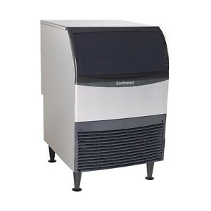 Scotsman Uf424a 1 Flake style Ice Maker With Bin Produces 440 Lb Of Ice A Day
