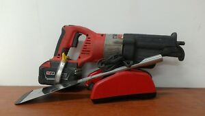 Milwaukee M 28 Auto Glass Windshield Removal Tool used