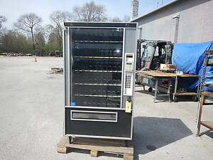 Industrial Vending Machine Fsi Model 3015ada