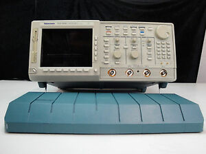 As is Tektronix Tds684c Digital Storage Oscilloscope 1ghz