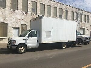 Spray Foam Rig 2010 Ford E450 16 Insulated Box Truck With Lift Gate Graco H25