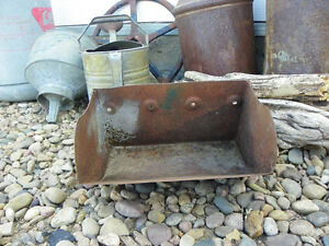 Antique Vintage Metal Farm Grain Elevator Feed Bucket Scoop Primitive Decor