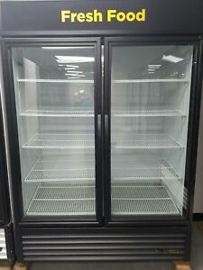 True Gdm 49 hc tsl01 Self Contained 2 Glass Door Cooler 2016 Great Condition