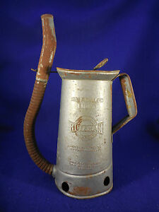 Huffman 1 2 Gal Oil Can With Swing Away Spout And Thumb Control 1930s 40s Mad