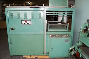 Vacuum Forming Machine 34 X 22 Spring Special Take 5 Off