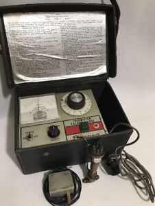 Vintage Robinair Thermistor Vacuum Gage 14010 25 000 0 Micron Range Leather Case
