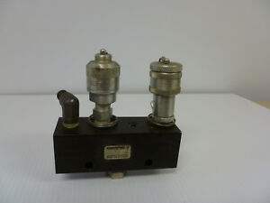 Enerpac M 6 Hydraulic Power Split Manifold 3 000 Psi 2 Pioneer Couplers