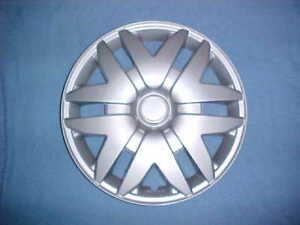 2005 06 07 Toyota Matrix Hubcaps 16 Set Of 4 New Hub Caps Wheel Covers