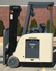2007 Crown Rc 5500c 30 Forklift Stand Up Electric Dockstocker 13 326 Hours