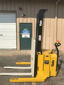 2010 Yale Walkie Stacker Walk Behind Forklift Straddle Lift Only 1122 Hours