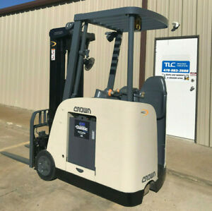 2007 Crown Rc 5500c 30 Forklift Stand Up Electric Dock Stocker Fork Lift