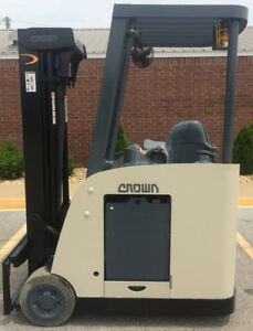 2007 Crown Rc 5530c 30 Forklift Stand Up Electric Nice Dock Stocker Forklift