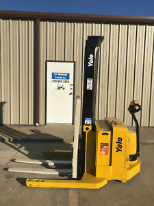 2006 Yale Walkie Stacker Walk Behind Forklift Straddle Lift Only 3949 Hours